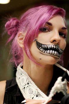 2015 spooky skulls joker makeup for Halloween - tusk face painting Joker Makeup, Scary Makeup, Fx Makeup, Skull Makeup, Awesome Makeup, Pretty Makeup, Cheshire Cat Makeup, Chesire Cat, Girl Halloween Makeup