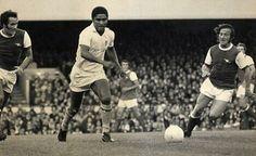 Eusebio vs Arsenal. RIP a footballing Legend.