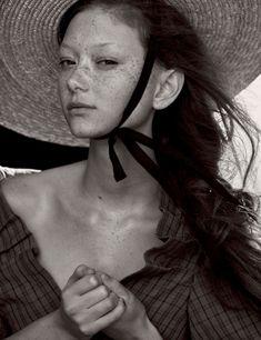 Vogue-Germany-May-2017-by-Peter-Lindbergh-08-Sara-Grace-Wallerstedt.jpg