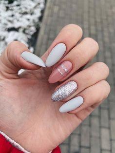 Semi-permanent varnish, false nails, patches: which manicure to choose? - My Nails Classy Nails, Stylish Nails, Trendy Nails, Nail Swag, Hair And Nails, My Nails, Nagellack Design, Round Nails, Fall Acrylic Nails