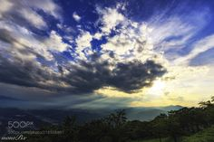 Separate the clouds by matsu00011 via http://ift.tt/2uTwCiU