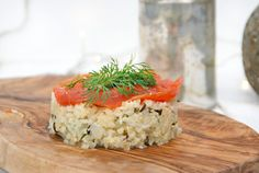 Risotto van bloemkool met gerookte zalm - Truitjeroermeniet Risotto, Good Food, Yummy Food, Best Dinner Recipes, Paleo Dinner, Meals For One, Food Plating, Feta, Foodies