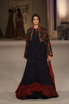 How gorgeous does this navy blue with maroon anarkali gown look to you #LFW #LIFW2016 #summerfashion #RohitBal #Frugal2Fab