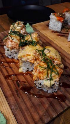 Salmon Tartare Aburi Maki [OC] via FoodPorn on June 05 2018 at Sushi Recipes, Seafood Recipes, Healthy Recipes, Cute Food, Good Food, Yummy Food, Salmon Tartare, Snap Food, Food Snapchat
