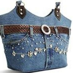 Models of old jeans- Modelle alter Jeans Models of old Jeans Source by - Handmade Handbags, Handmade Bags, Diy Sac Pochette, Altering Jeans, Sac Week End, Jean Purses, Diy Bags Purses, Denim Purse, Denim Jeans