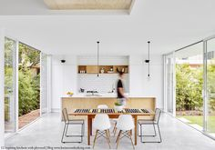 Super simple kitchen - love it. How to create a stunning kitchen with plywood Street House, Kitchen Projects, Interior, Interior Design Kitchen, Kitchen Inspiration Design, Plywood Kitchen, Eames Molded Plastic Side Chair, Home Kitchens, Rustic Kitchen