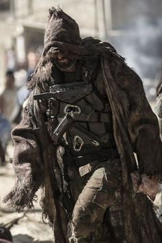 A place for all your apocalypse needs and inspirations. Feel free to send me or submit your own apocalyptic posts! Apocalyptic Clothing, Post Apocalyptic Costume, Post Apocalyptic Fashion, Larp, Character Inspiration, Character Design, Dystopia Rising, Future Soldier, Homestead Survival