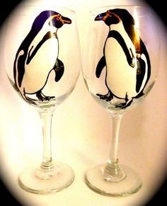 Penguin Wine Glasses Set of 2 - Hand Painted Penguin Wedding, Penguin Party, Penguins And Polar Bears, Cute Penguins, Penguin Life, Penguin Pictures, Glitter Glasses, Painted Wine Bottles, Entertainment