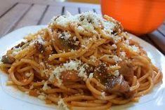 ΜΑΓΕΙΡΙΚΗ ΚΑΙ ΣΥΝΤΑΓΕΣ: Μακαρόνια με κόκκινη σάλτσα & μανιτάρια !!