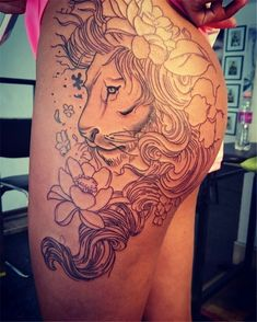 36 Stunning Women Tigh Tattoo Design Ideas - Women tattoos were at one point in history thought of as an awful thing and were not acknowledged in the circles of society back then. Tattoos have de. Leo Tattoos, Body Art Tattoos, Girl Tattoos, Tattoos For Women, Tattos, Beautiful Tattoos, Unique Tattoos, Tigh Tattoo, Tattoo Hip