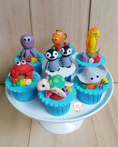 I love making these cute Under the Sea cupcakes! Sea Cupcakes, Animal Cupcakes, Cute Cupcakes, Themed Cupcakes, Mermaid Cupcakes, Ocean Cakes, Beach Cakes, Nemo Cake, Octonauts Party