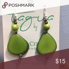 Shop Women's size OS Earrings at a discounted price at Poshmark. Description: New Lime Green Tagua Nut Earrings. Diy Jewelry Necklace, Anklet Jewelry, Shell Jewelry, Cute Jewelry, Boho Jewelry, Jewelry Ideas, Jewlery, Necklaces, Vintage Earrings