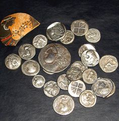 Monedas y billetes histórico-mitológicos (I)