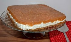 Bucataria Irinei...: Tort de mere fara coacere Romanian Food, Raw Desserts, Tiramisu, Cheesecake, Deserts, Ethnic Recipes, Coca Cola, Drink, Cheesecakes