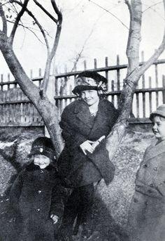 Myrna Loy in Helena, Montana - 1910. Oh RAD!!!!!