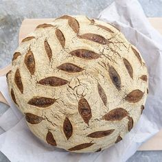 Boule of the day! Wholewheat and delicious. Love trying out new scoring patterns. #boule #pane #sourdough #crust #baking #levain #naturalleaven #bread #breadlove #realbread #artisanbread #como #pasticceria #bakery #catering #cakestagram #cake #ilovebaking #lagodicomo #organic #feedfeed #f52grams #tartine #lievitomadre