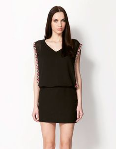Discover the lastest trends in fashion in Bershka. Buy online shirts, dresses, jeans, shoes and much more. New products every week! Fashion Online, Thailand, Product Description, Female, Stylish, My Style, Womens Fashion, Stuff To Buy, Shirts