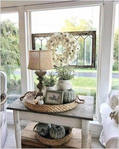 A Shabby Chic Living Room – Decorating On a Budget – Shabby Chic News French Country Rug, French Country Living Room, Country Farmhouse Decor, French Country Decorating, Farmhouse Style, Modern Farmhouse, Farmhouse Ideas, French Farmhouse, Modern Country