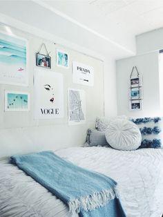 College Bedroom Decor, Cute Bedroom Decor, Bedroom Decor For Teen Girls, Room Ideas Bedroom, Bedroom Inspo, Dorm Room Themes, Men Bedroom, Blue Bedroom, Bedroom Themes