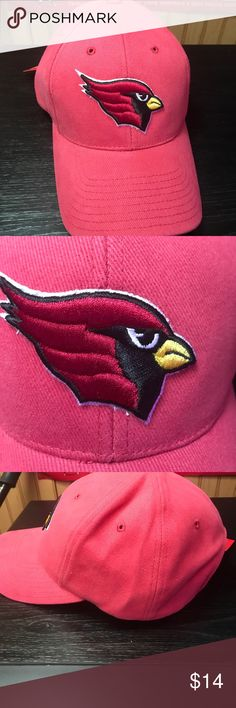 Men's Reebok Arizona Cardinals Hat Hello! Thank you for viewing my listing. This is an Arizona Cardinals hat through the brand Reebok. This is new with the tag and has never been worn. The hat is adjustable so one size should fit most. If you have any questions, please do not hesitate to ask. Thank you! Reebok Accessories Hats