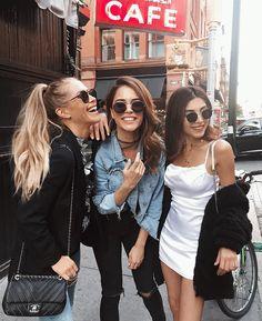 43.7 тыс. отметок «Нравится», 132 комментариев — Ruslana Gee (@ruslanagee) в Instagram: «Bloggers and the city  #nyfw #mysquad @cocoloco_girl @majamalnar // how do you like our outfits…»
