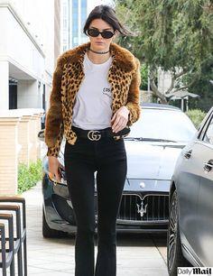 Scott Disick invita a comer a Kendall Jenner en Beverly Hills