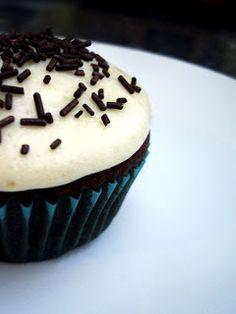 Objetivo: Cupcake Perfecto.: Cupcakes de chocolate con anacardos y icing de queso fresco con naranja