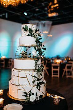 Modern metallic white and gold wedding cake   Clean & Modern J. Verno Studios Wedding featured on Burgh Brides   modern wedding   black and white wedding decor   edgy wedding   sophisticated wedding   #weddingdetails #weddingcake