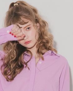 New makeup collection everyday 52 Ideas Permed Hairstyles, Hairstyles With Bangs, Hairstyle Images, Make Up Tools, Chica Cool, Aesthetic Girl, Makeup Collection, Belle Photo, Wavy Hair