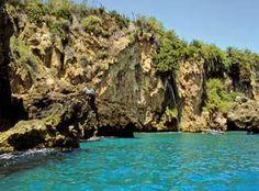 Los espectaculares acantilados de Maro (Nerja) Foto: © Comunicación y Turismo  http://revista.destinosur.com/contenidos57.php#costasol www.visitacostadelsol.com