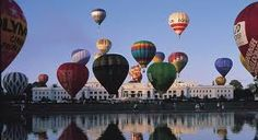 Hot air balloons in front of Old Parliament House, Canberra, Australia. Australia Places To Visit, Australian Capital Territory, Land Of Oz, Festivals Around The World, Houses Of Parliament, Above The Clouds, Australia Travel, Sydney Australia, Cool Countries