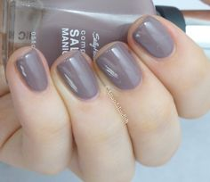 Sally Hansen Commander in Chic | Amandalandish