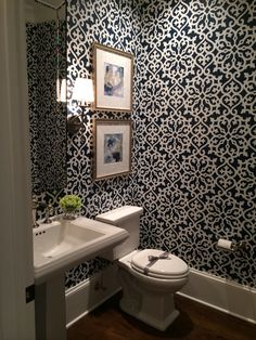 Powder room 2 - Deco How to Crafts Laundry Room Bathroom, Small Bathroom, Master Bathroom, Washroom, Bathroom Ideas, Powder Room Decor, Powder Room Design, Powder Rooms, Powder Room Wallpaper