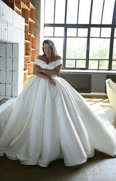 Off Shoulder Wedding Dress, Long Sleeve Wedding, Wedding Dress Sleeves, Plus Wedding Dresses, Plus Size Wedding, Satin Wedding Gowns, Popular Wedding Dresses, Curvy Bride, Different Dresses