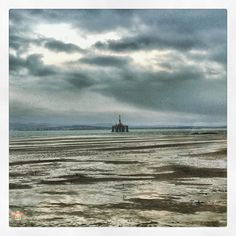 #firthofforth #oilrig #takenfromthetrain Photos from my travels