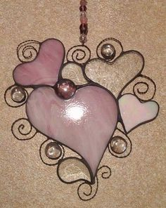 Stained Glass Ornaments, Stained Glass Patterns, Stained Glass Art, Mosaic Art, Mosaic Glass, Fused Glass, Pink Cadillac, Wire Crafts, Heart Patterns