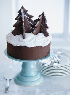 Simple but delicious chocolate gateau christmas cake. Chocolate Christmas Cake, Christmas Tree Cookies, Christmas Sweets, Christmas Cooking, Noel Christmas, Christmas Goodies, Christmas Cakes, Chocolate Cake, Elegant Christmas