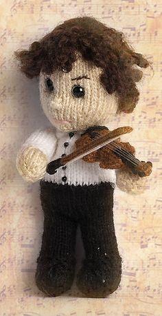 kittyvondittys Sherlock's Violin. Her teeny, tiny masterpiece. :)