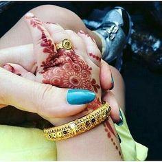 henna ankle henna fingertips henna small henna tatto sternum henna little henna . Mehandi Designs, Latest Mehndi Designs, Henna Tattoo Designs, Tattoo Ideas, Henna Tattoos, Tattoo Girls, Girl Tattoos, Tattoo Baby, Tatoos