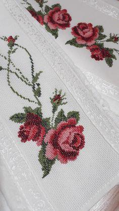 Cross Stitch, Cross Stitch Rose, Glove, Crochet Carpet, Joy, Crochet Stitches, Cross Stitch Designs, Dots, Punto De Cruz