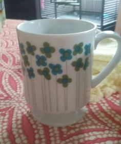 Check out this item in my Etsy shop https://www.etsy.com/listing/464004801/that-70s-showretro-coffee-mugs70s