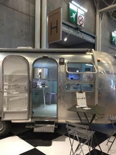Le Nail Truck fait sa rentrée des classes au Salon du bijoux @bijorhca_paris  Hall 5.2 C'est notre petit bijou à nous  passez nous voir a Porte de Versailles- Paris  #lenailtruck #nailtruck #thenailtruck #nailbar #airstream #glossup #glossupparis #bijorhca #bijorchca2015 #bijorhcaparis #vintagetrailer #nails #nailpolish #naildesign #beauty Mobile Nail Salon, Mobile Nails, Airstream, Beauty Van, Les Nails, Nail Salons, Nail Studio, Popup, Business Ideas