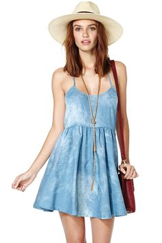 Nasty Gal Head in the Clouds Dress Love the look Cute Dresses, Dresses For Sale, Denim Dresses, Chambray Dress, Fashion Moda, Diy Fashion, Dress Backs, Nasty Gal, Dress Me Up