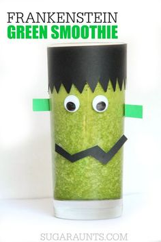 This Halloween smoothie idea is a fun way to make a healthy Halloween treat that kids will love for a Halloween breakfast. Use any smoothie recipe. This Halloween smoothie idea is a fun way to make a healthy Ha Halloween Breakfast, Halloween Snacks For Kids, Healthy Halloween Treats, Halloween Activities, Breakfast For Kids, Halloween Fun, Healthy Snacks, Spooky Treats, Halloween Baking
