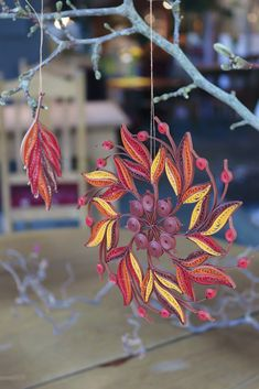 23 Clever DIY Christmas Decoration Ideas By Crafty Panda Paper Quilling Earrings, Arte Quilling, Paper Quilling Flowers, Paper Quilling Patterns, Quilled Paper Art, Quilling Paper Craft, Paper Crafts, Paper Shaper, Quilling Christmas