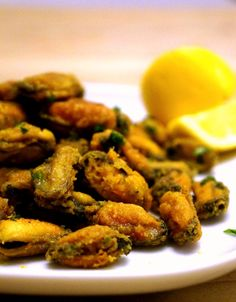 Lower Excess Fat Rooster Recipes That Basically Prime Fried Mussels With A Hint Of Indian Spice - Crispy Deep Fried Mussels Fried Mussels Recipe, Pre Cooked Mussels Recipe, Appetizers, Fish Recipes, Meat Recipes, Seafood Recipes, Cooking Recipes