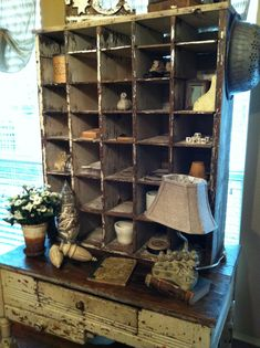 I love old wood cubbies! Primitive Furniture, Primitive Antiques, Country Furniture, Shabby Chic Furniture, Shabby Chic Decor, Vintage Furniture, Painted Furniture, Primitive Crafts, Handmade Furniture