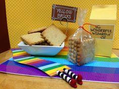 Mi aportación al cuento El Mago de Oz: galletas de mascarpone, individuales, caja para chuches y punto de libro de la bruja maligna.