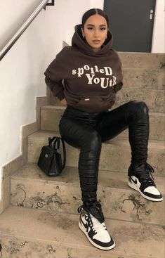 Baddie Outfits Casual, Cute Swag Outfits, Chill Outfits, Dope Outfits, Trendy Outfits, Tomboy Fashion, Teen Fashion Outfits, Retro Outfits, Streetwear Fashion
