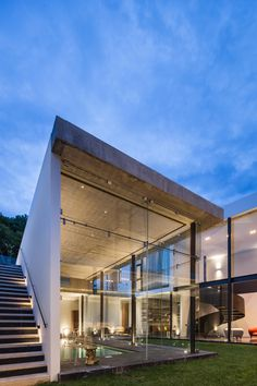 LL House in León, Mexico by Arquitectos - Architecture Modern Architecture House, Sustainable Architecture, Facade Architecture, Residential Architecture, Modern House Design, Amazing Architecture, Japanese Architecture, Retreat House, Decoration
